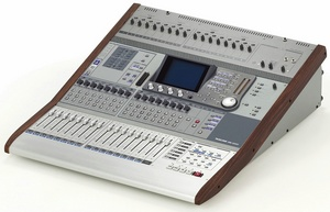 Tascam DM-3200